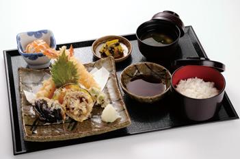 天ぷら盛り合せ定食